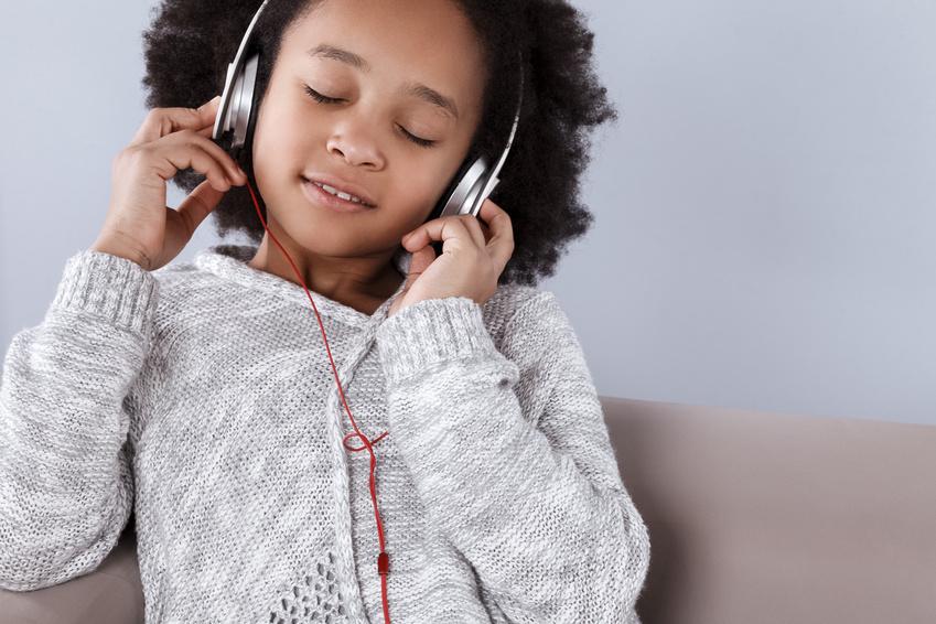 Wunderschöne Meditationen für Kinder auf USB Stick.